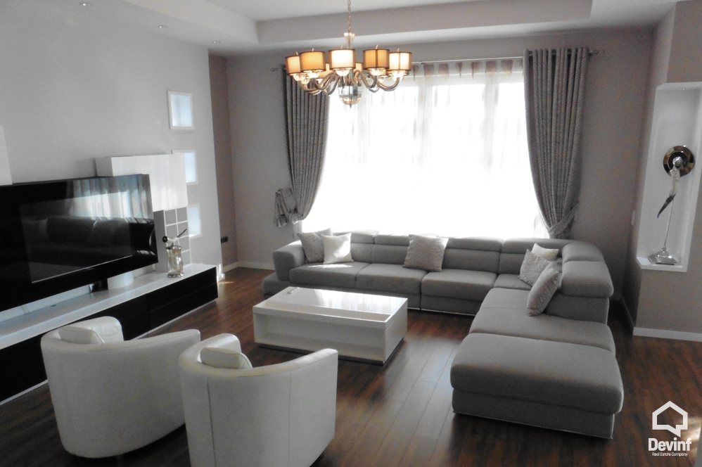 Villa For Sale in Tirane More then 4 rooms - Albania Real Estate