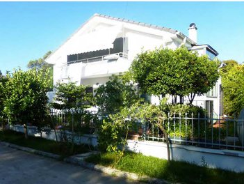 Villa in Durres Albania 3 beds + livingroom + kitchen