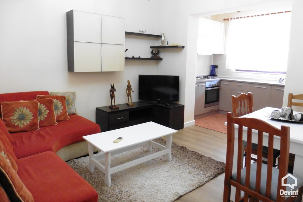 Me Qera Apartment 2 bedrooms + livingroom + kitchenette 4 Deshmoret Street Tirane