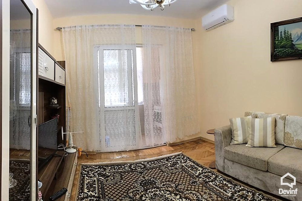 Me Qera Apartment 2 bedrooms + livingroom + kitchenette Myslym Shyri Street Tirane