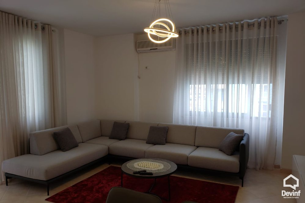 Me Qera Apartment 3 bedrooms + livingroom + kitchenette Apartment in the center of Tirana Tirane