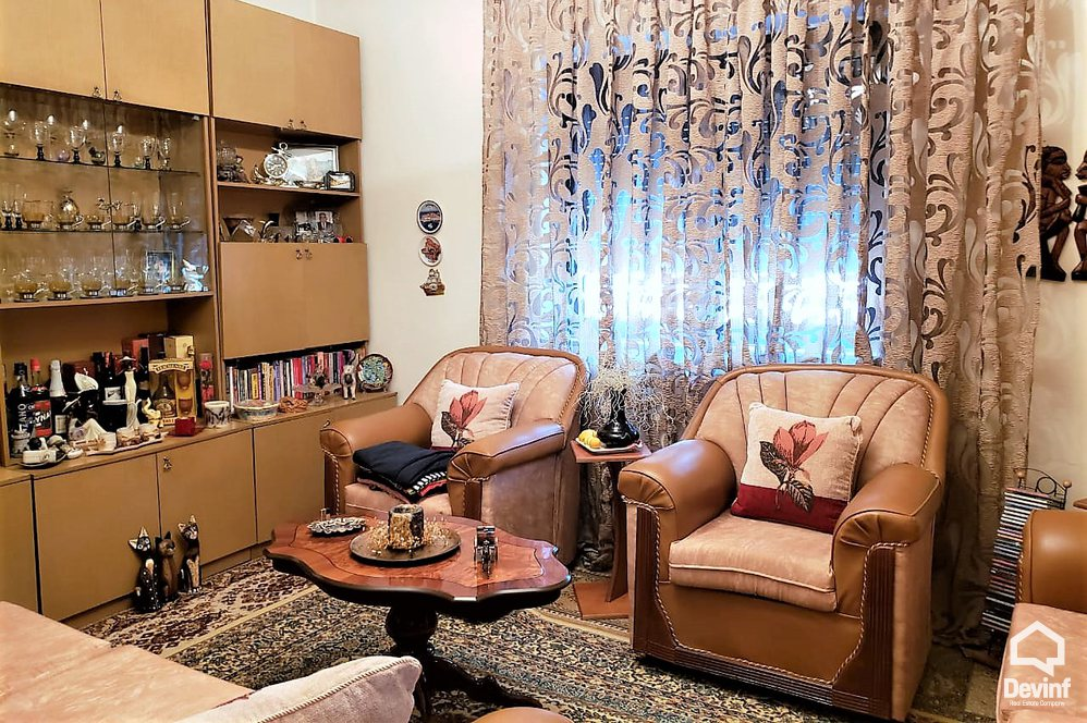 Ne Shitje Apartment 3 bedrooms + livingroom + kitchenette Kavaja Street Tirane