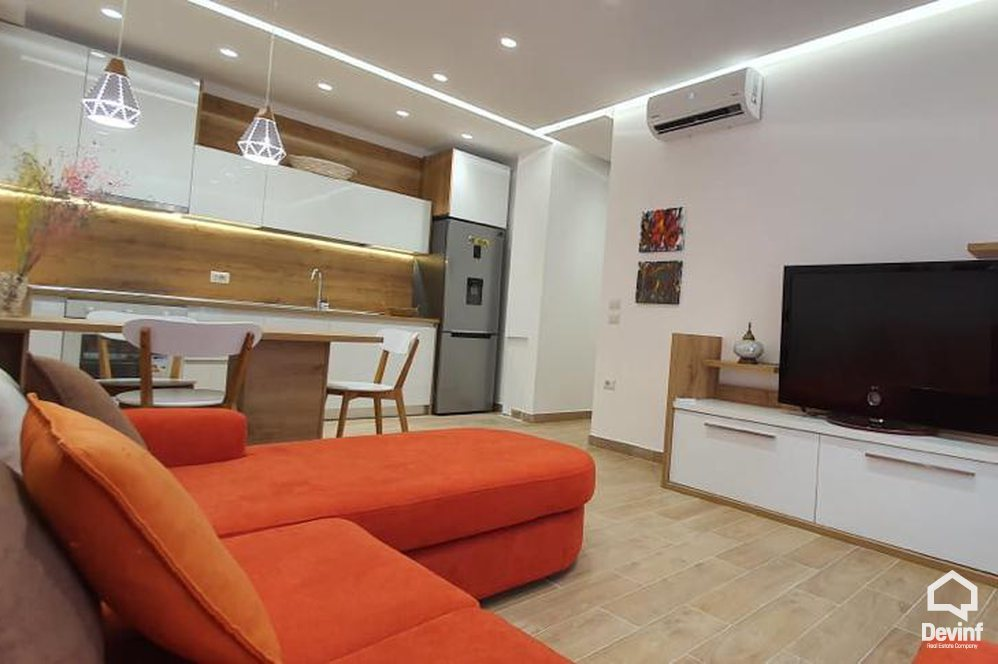 Me Qera Apartment 1 bedroom + livingroom + kitchenette Apartment close to Ataturk Square Tirane