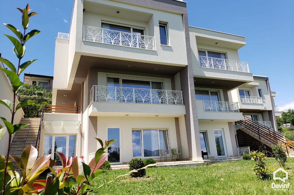 Me Qera Villa 4 bedrooms + livingroom + kitchenette Farka Lake Tirane