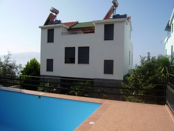 Villa in Vlore Albania 4 bedrooms + livingroom + kitchen