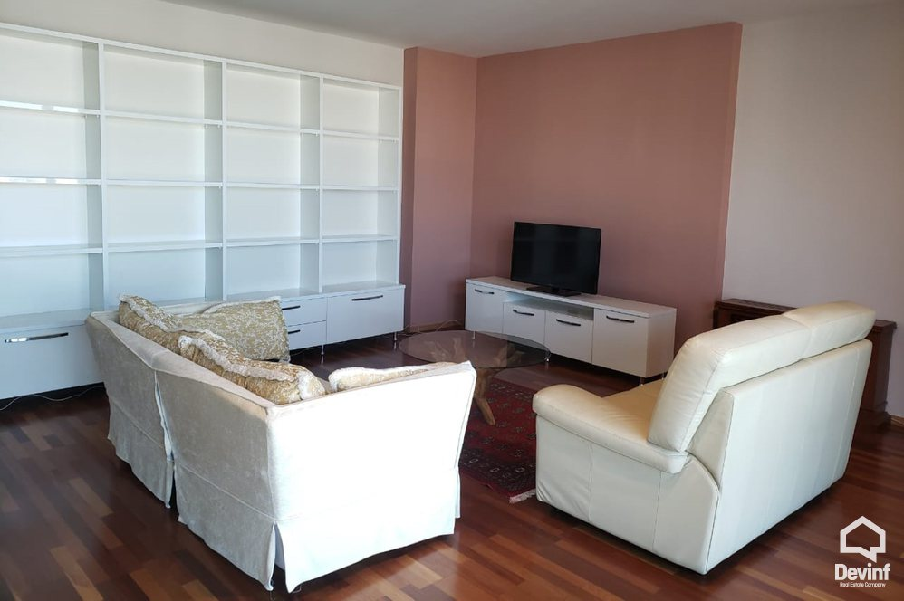 Me Qera Apartment 3 beds + livingroom + kitchen Apartament located in e new construction near by Pyramid building Tirane