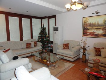 Apartment Shitje This apartmant is located close to the green park of Tirana on Elbasani Street.