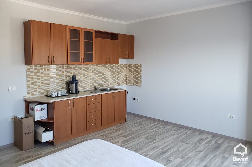 Me Qera Apartment 2 bedrooms + livingroom + kitchenette New apartment situated close to Scanderbeg Square Tirane