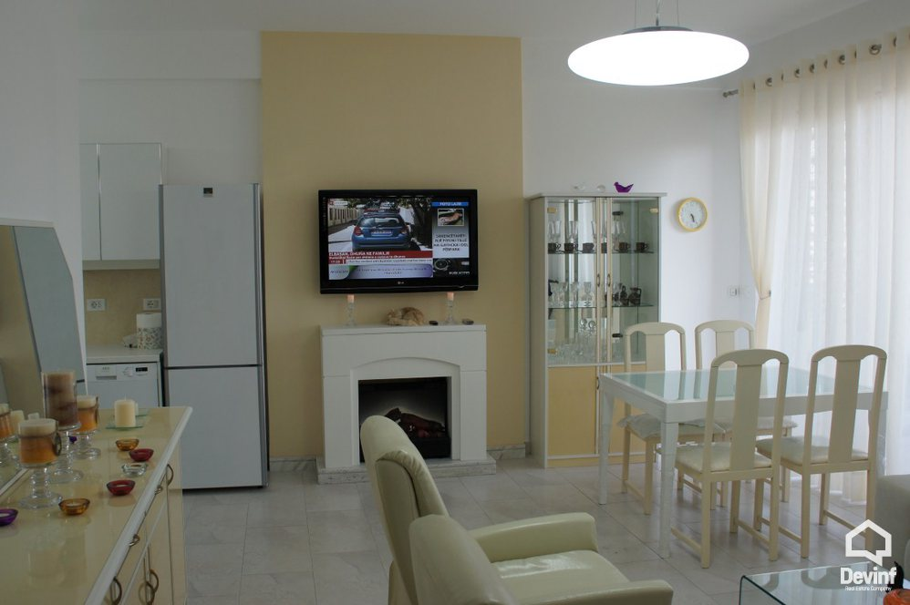 Me Qera Apartment 1 bedroom + livingroom + kitchenette Kavajes Street, near Embassies block Tirane