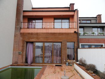 Villa in Tirane Albania 4 bedrooms + livingroom + kitchen