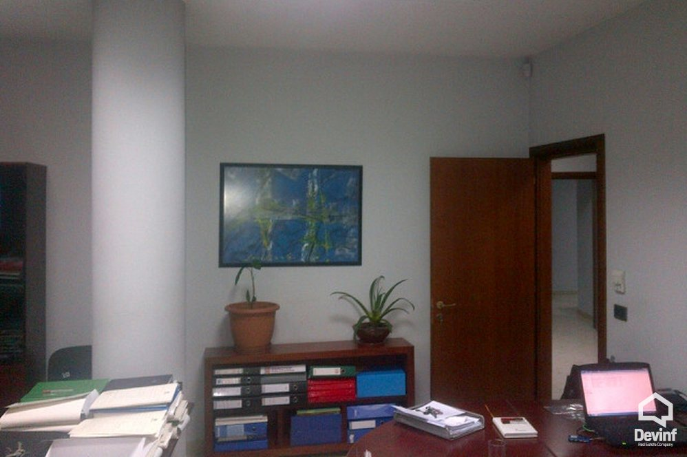 Ne Shitje Office More then 4 rooms Durres Street, close to Zogu i Zi Square Tirane