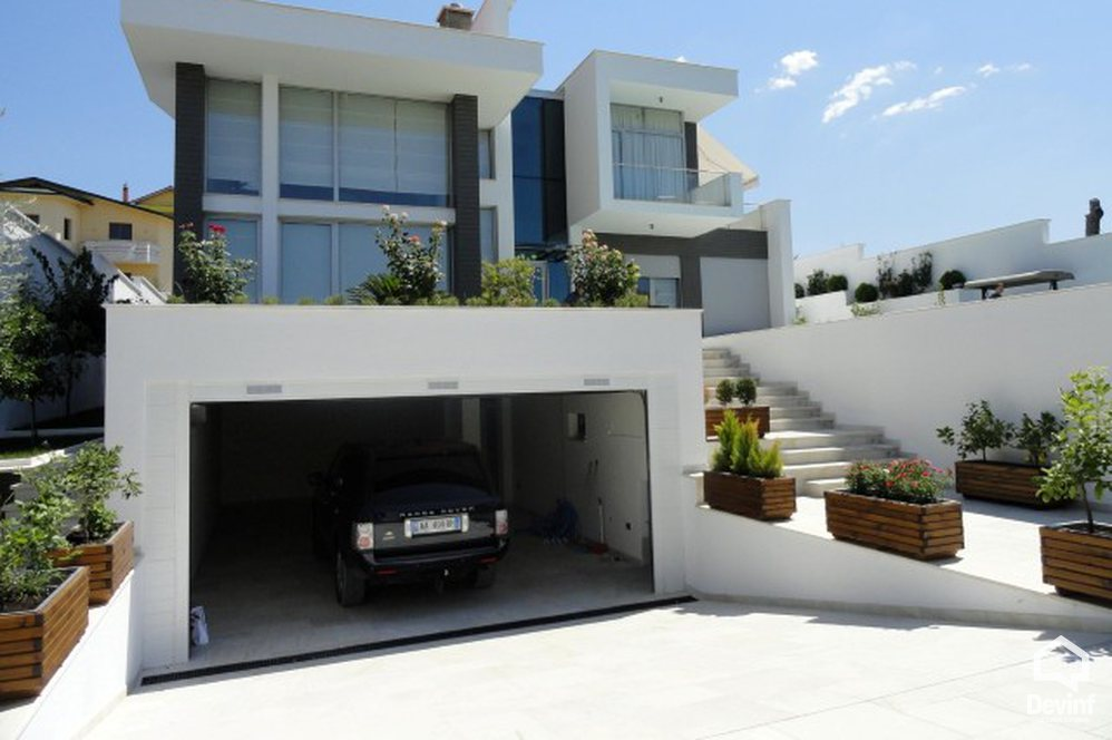 Villa For Rent in Tirane More then 4 rooms - Albania Real Estate