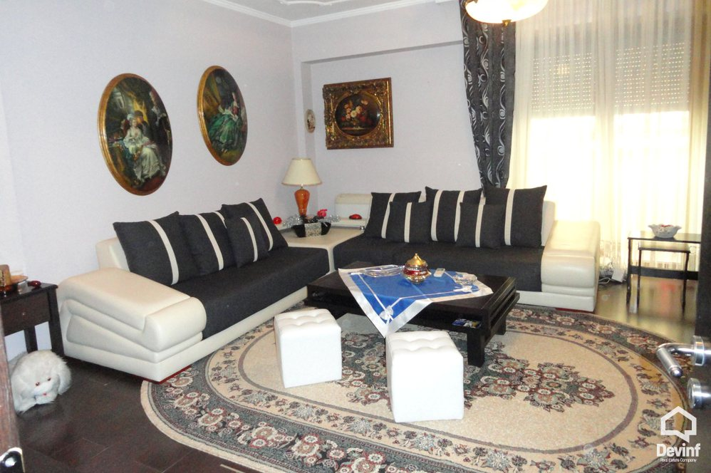 Me Qera Apartment 2 bedrooms + livingroom + kitchenette Near Petro Nini Luarasi Highschool  Tirane