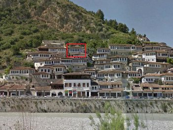 Villa in Berat Albania 3 bedrooms + livingroom + kitchenette
