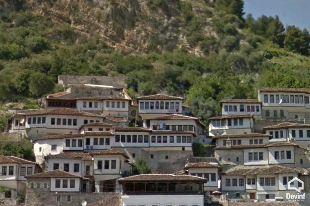 Villa For Sale in Berat 3 bedrooms + livingroom + kitchenette - Albania Real Estate
