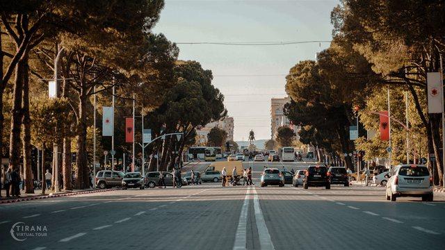 Kronikë Bulevardi – Tiranë