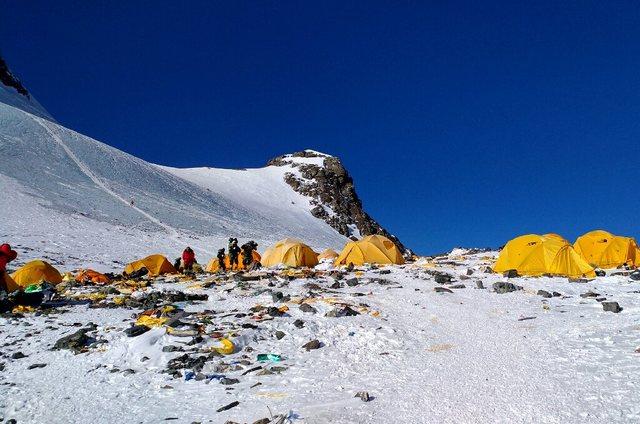 Covid-19 mbërrin deri në lartësitë e Everestit!