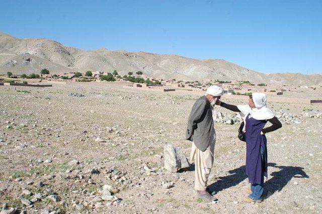 Afganët me syrin e një shqiptareje që jetoi me ta!