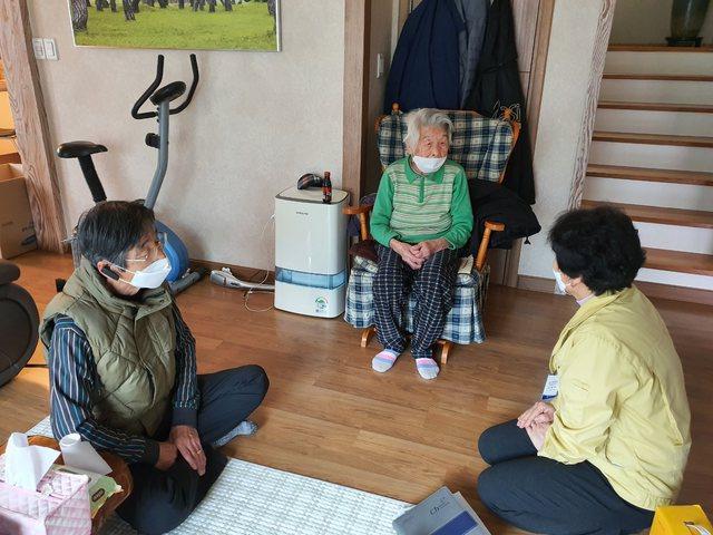 96-vjeçarja nga Koreja e Jugut shërohet plotësisht nga