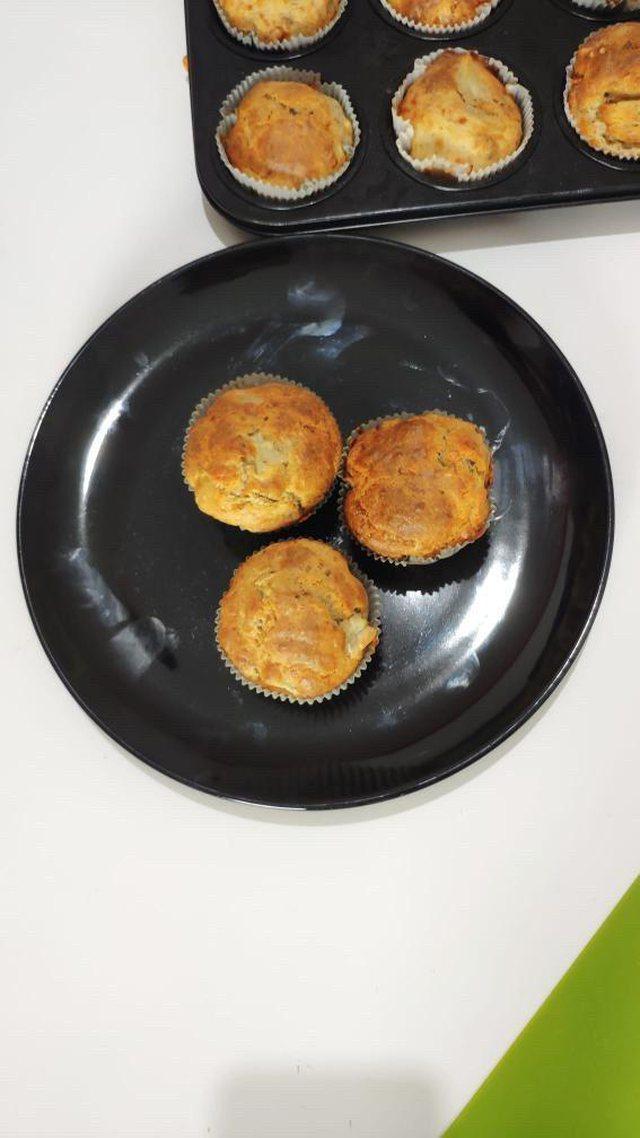 Muffins me djathë, receta ideale për darkën e së