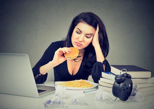 Letër psikologes/ Pse kam shumë oreks për ushqim, kur jam e