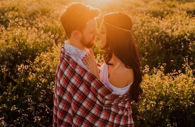 5 shenja që tregojnë se keni gjetur shpirtin tuaj binjak