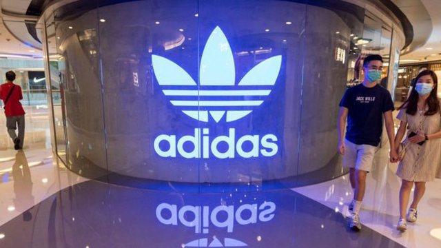 Shefja e burimeve njerëzore të Adidas jep dorëheqjen për