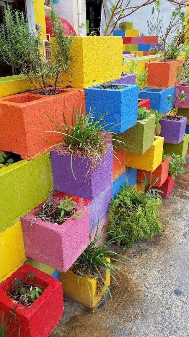 Foto/ Si të krijoni një kopsht magjik me blloqe dhe tjegulla!