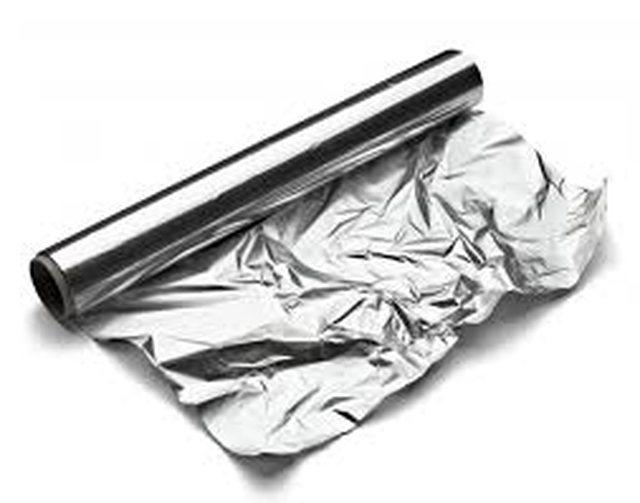 Arsyet pse duhet ta përdorni letrën e aluminit, për fytyrën!