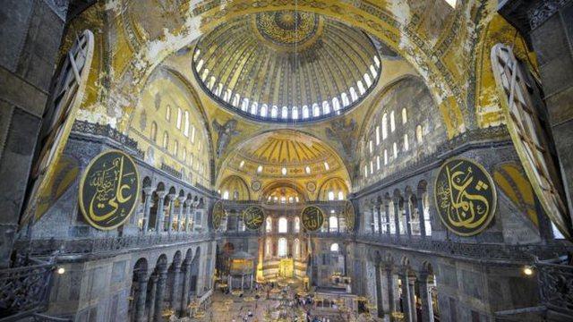 Turqia kthen kishën Hagia Sophia, në xhami
