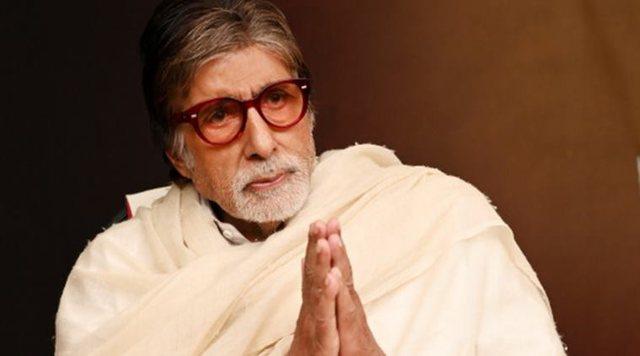 Legjenda e Bollywood infektohet me koronavirus dhe shtrohet në spital