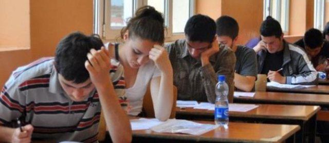 Prova e dytë për maturantët mbetës, publikohen datat dhe