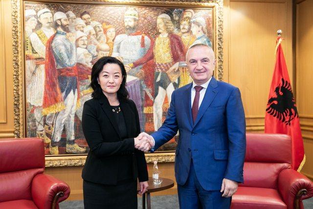 Pas takimit me kryeministrin, Yuri Kim shkon te presidenti!