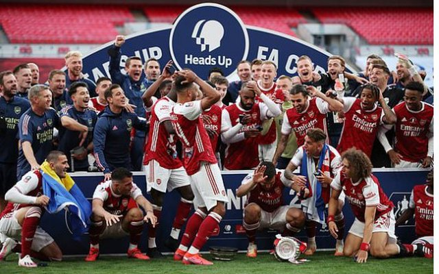 FA CUP/ Arsenal mposht Chelsea në finale!
