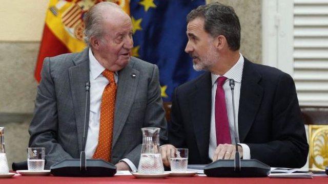 Nën hetim për korrupsion, ish-mbreti i Spanjës largohet nga vendi
