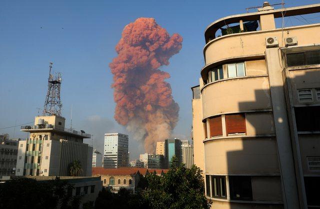Kaos dhe frikë në Bejrut/ Shpërthimi shkaktoi dëme në