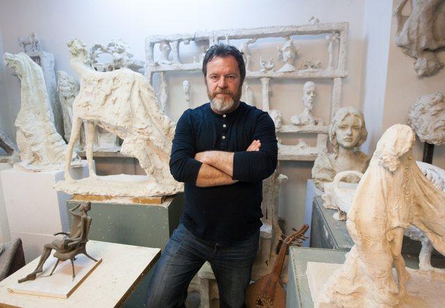 Artisti Arben Bajo në gjendje kritike si pasojë e Covid-19, ka