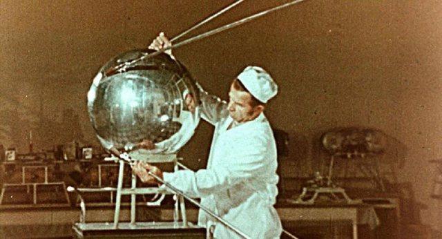 """""""Sputnik V""""/ Çfarë fshihet pas emrit të vaksinës"""