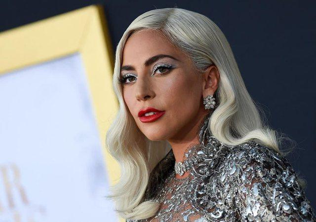 Lady Gaga tregon sesi arrin t'u bëjë ballë problemeve
