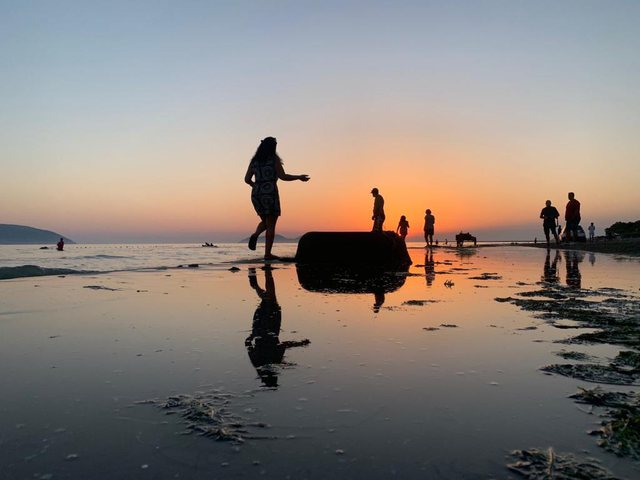 Në det me Rudinën/ Nga Karaibet e Karaburunit deri në Plazh
