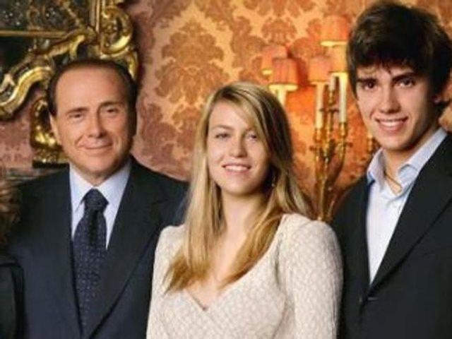 Silvio Berluskoni familjarisht me koronavirus!