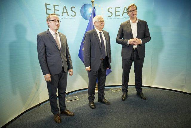 Hoti dhe Vuçiç takohen sot në Bruksel, zotohen të