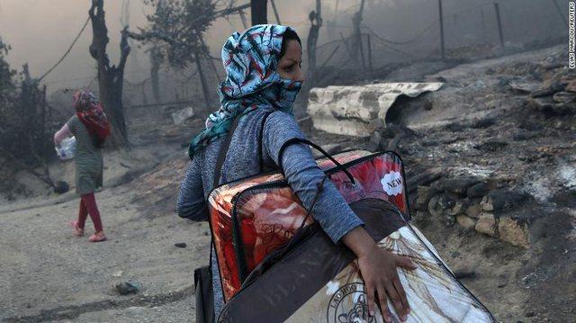 Zjarri në kamp la mijëra të pastrehë/Gjermania do të