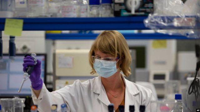 Vaksina J&J kalon në fazën e tretë të testimeve