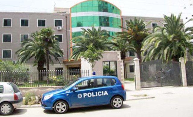 E rëndë në Durrës/ Njerku kryen marrëdhënie
