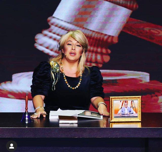 Lisa Kujofsa largohet nga Klanifornia