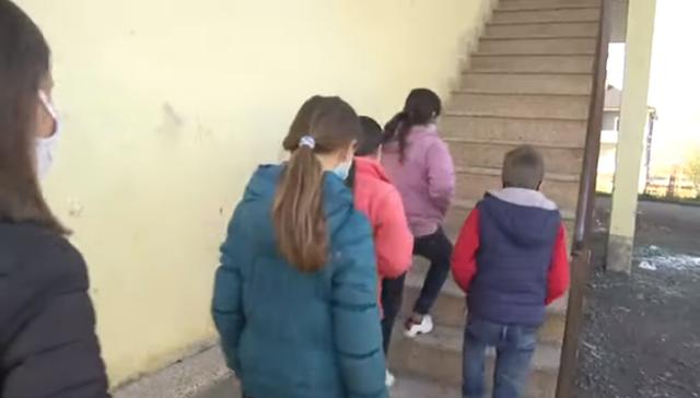 Bulqizë/ Prindërit të shqetësuar për fëmijët: