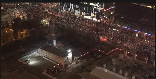 Protesta masive në Poloni kundër ligjit të abortit