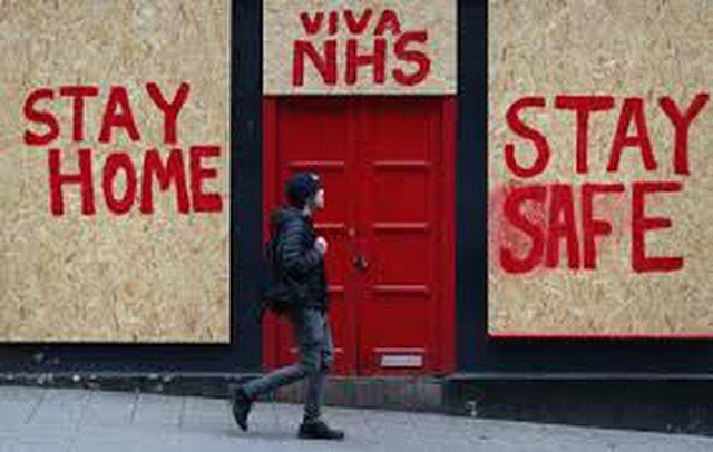 Britania bëhet vendi i parë në Europë që mbyllet