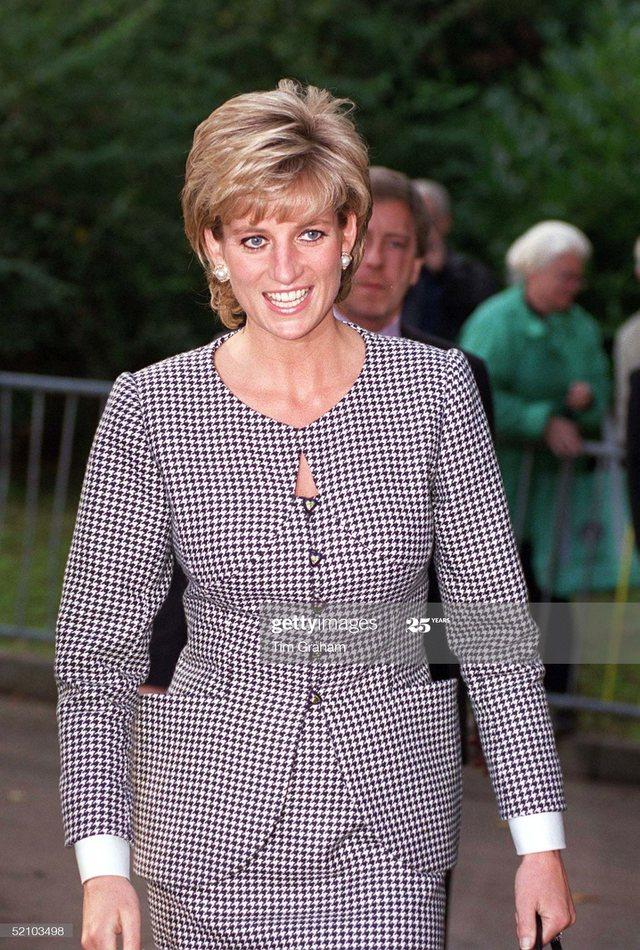 Foto/ Rastet kur princeshë Diana veshi të njëjtën veshje